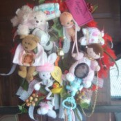 memory wreath with toys