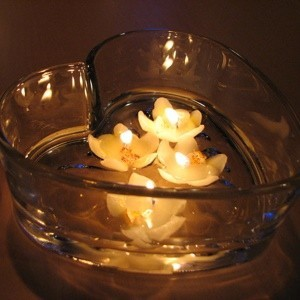candles in bowl of water