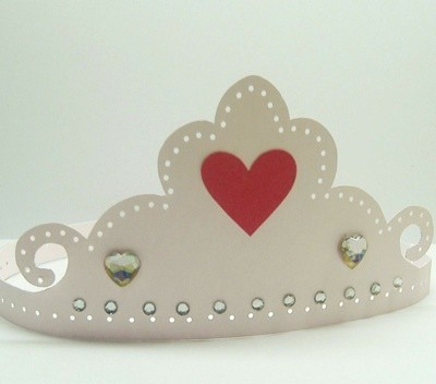 Paper tiara with red heart.
