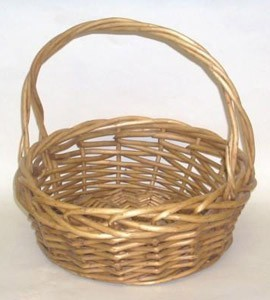 Decorating Wicker Baskets | ThriftyFun
