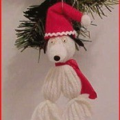 A yarn Snoopy ornament