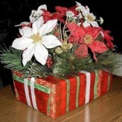 An easy recycled Christmas centerpiece.