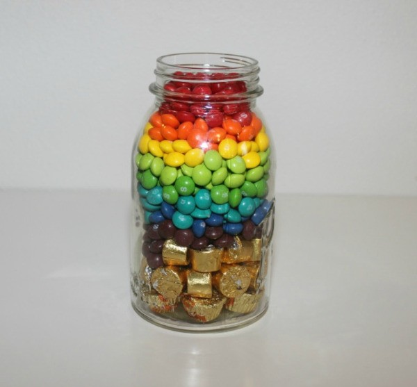 "Rainbow R Room: Making A ""Rainbow In A Jar"" Candy Gift"