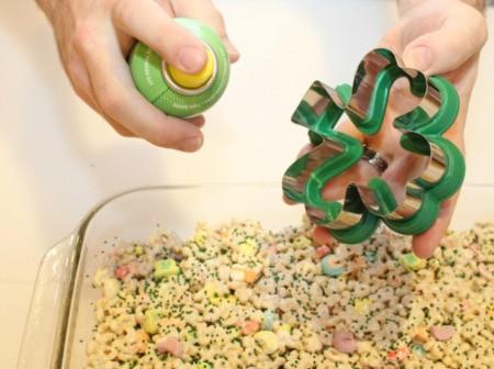 spray cookie cutter