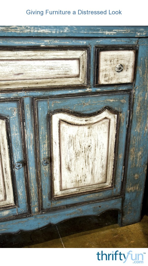 how to paint laminate furniture to look distressed