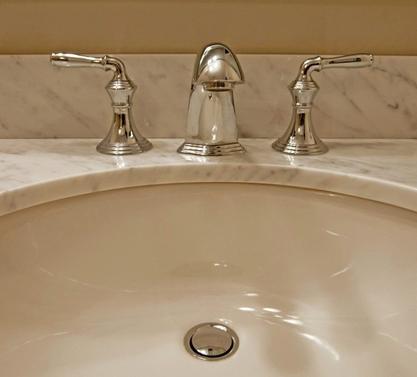 Removing Stains From A Porcelain Sink ThriftyFun - Remove stains from bathroom sink