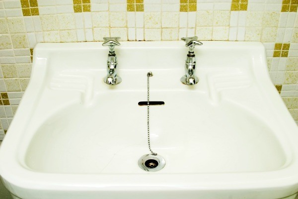 Harsh Cleaners Can Damage A Porcelain Tub Finish. This Guide Is About  Repairing Worn Porcelain Sinks And Bathtubs.