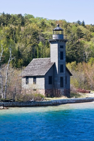 Travel Tips for Alger County in Michigan, US Grand Island Lighthouse