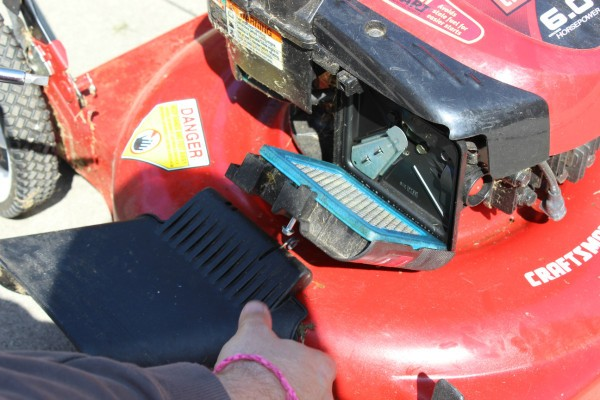 Fixing a Lawn Mower That Wont Start ThriftyFun