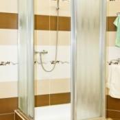 Shower door made of metal and class.