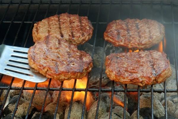 Grilling Hamburgers | ThriftyFun