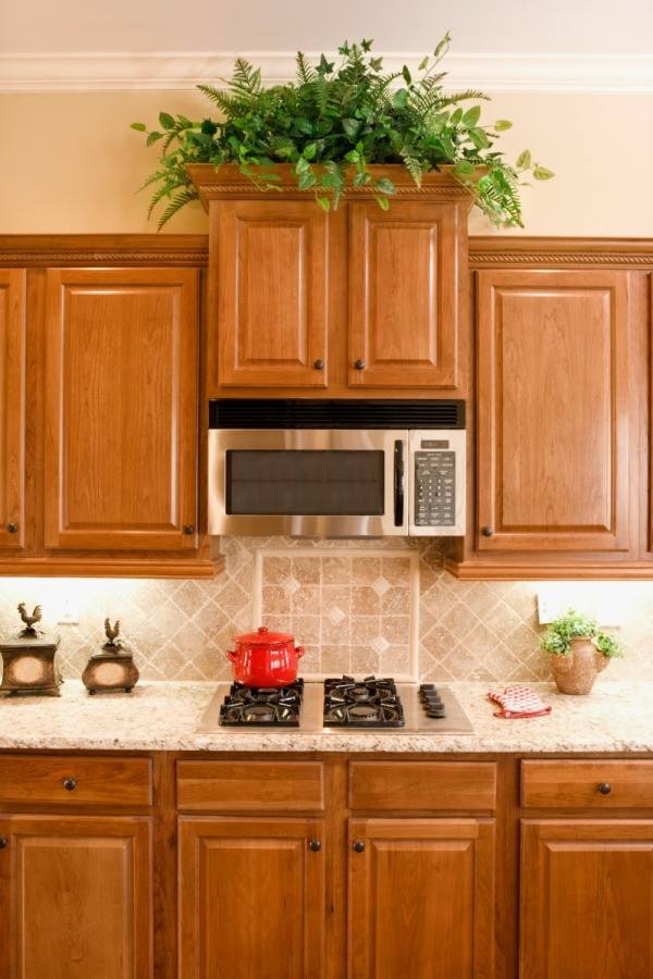 Cleaning Odors From Kitchen Cabinets