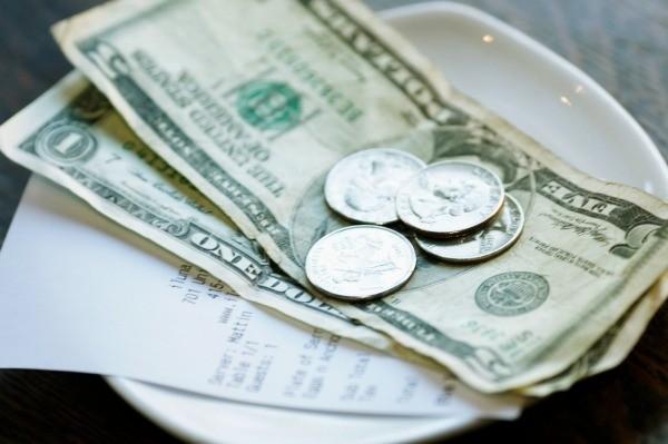 calculating tips at restaurants