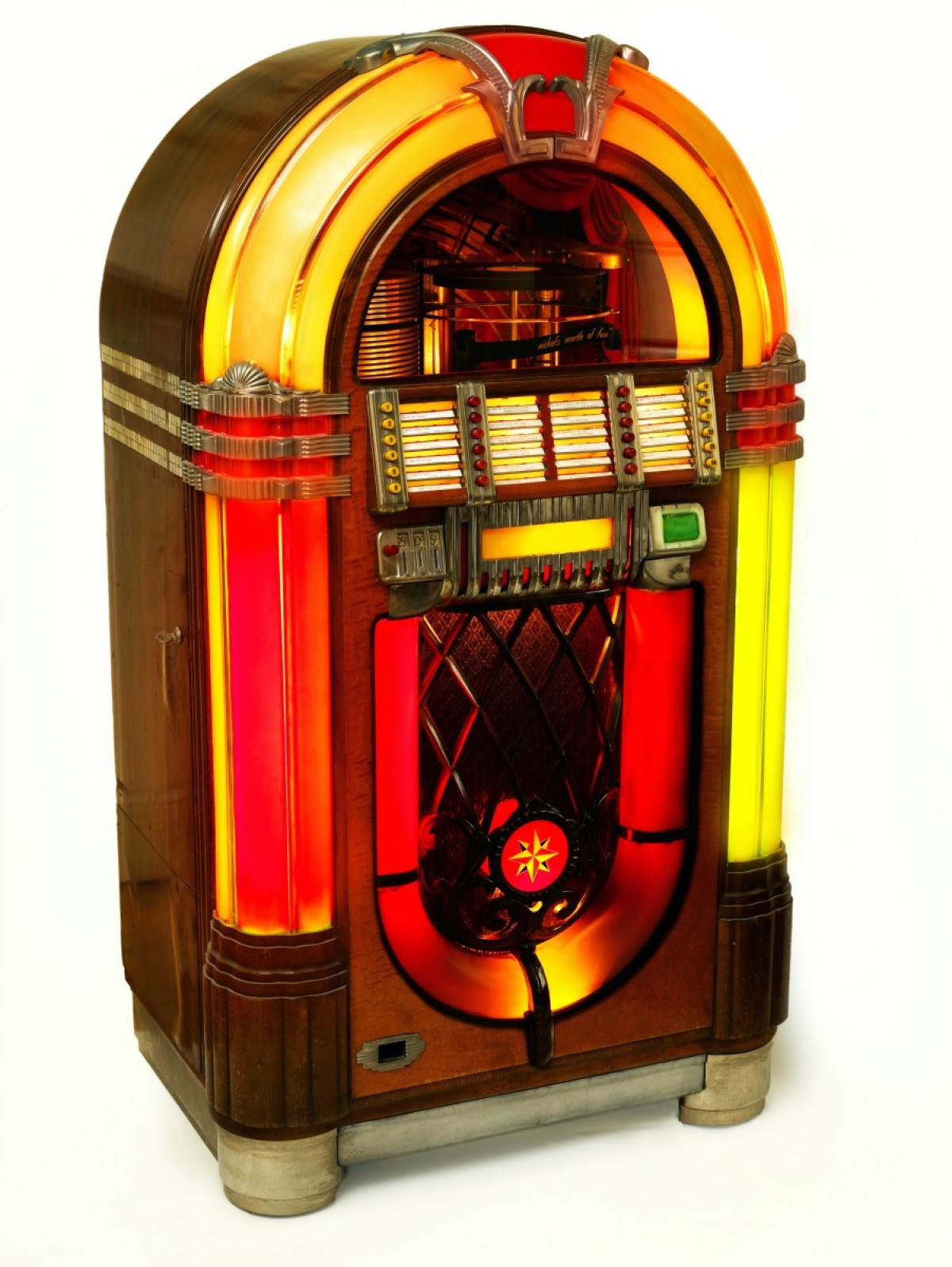 Finding the Value of a Vintage Jukebox | ThriftyFun