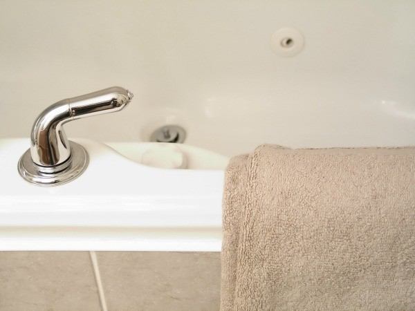 A Jetted Bathtub Is An Expensive Investment In Your Home And Relaxation.  Before Buying You May Want To Do Some Research To Find The Best One For You.
