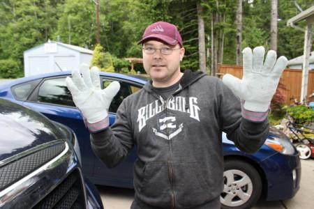 blackberry pulling gloves