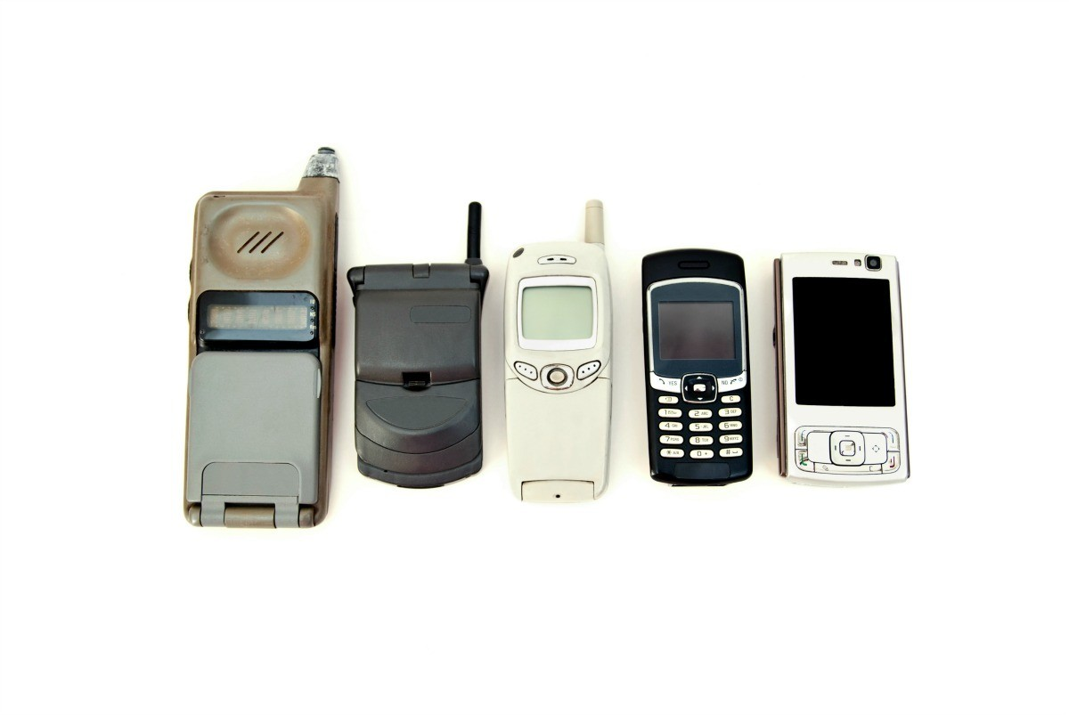 Uses for Old Cellphones? | ThriftyFun