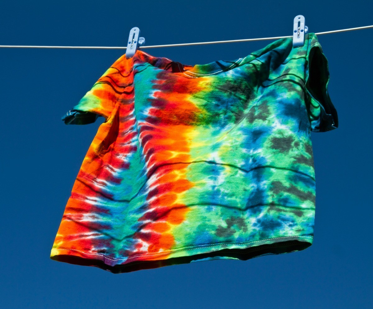 How to make homemade tie dye t shirts