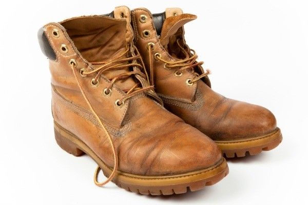 A Foul Odor And Stain Can Be Present When The Cat Finds Your Footwear Good Place To Go This Guide Is About Cleaning Urine On Leather Boots