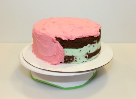 Mint Chocolate Chip Ice Cream Cake - frost cake 1