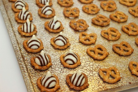 add hugs to pretzels