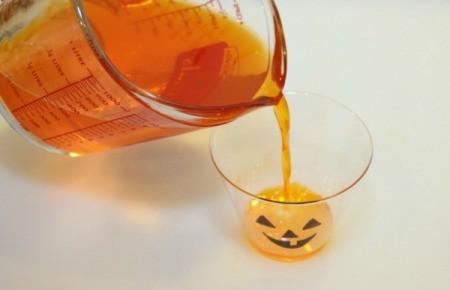 pour jello into cup