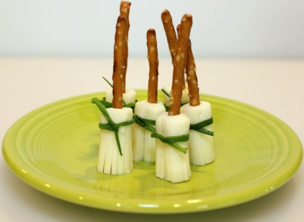 how to make cheese sticks with string cheese