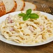 Pasta with cream sauce.