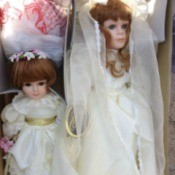 Bride and flowergirl dolls.