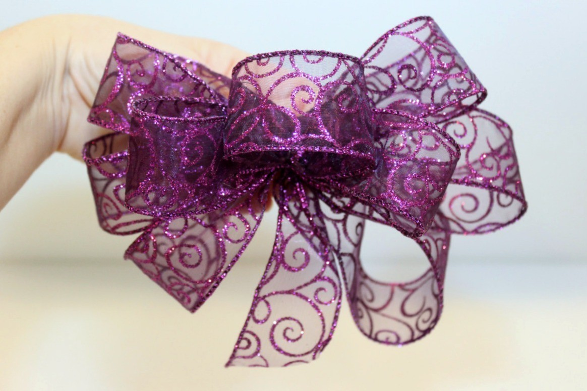 Making A Wire Edged Ribbon Bow Thriftyfun