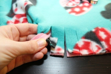No-Sew Dog Throw for Furniture