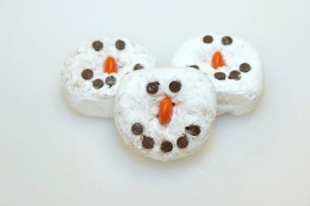 Mini Doughnut Snowmen