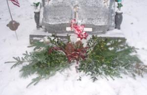 Cemetery Christmas Garland