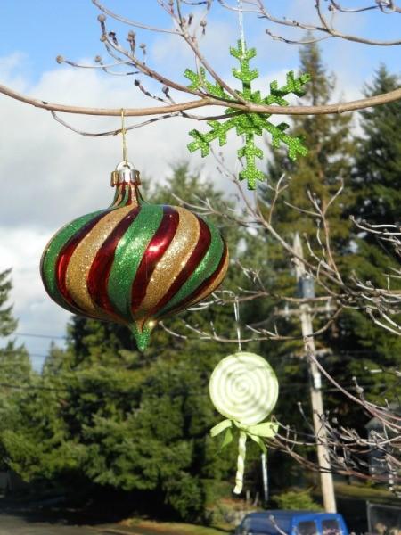 Other ornaments closeup.