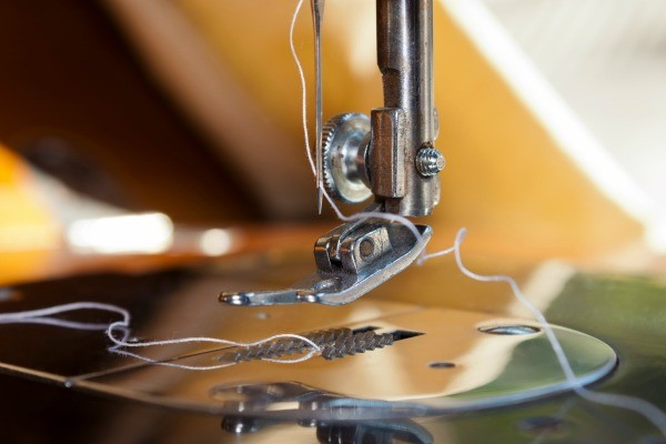 Threading A Sewing Machine ThriftyFun Interesting Threading A Sewing Machine Needle
