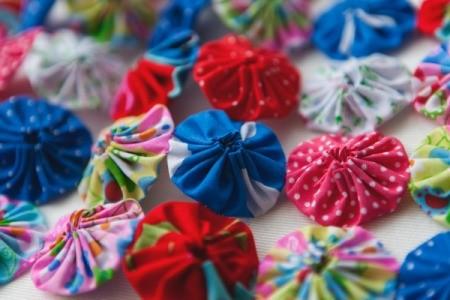 Yo-Yo Pillow Fabric