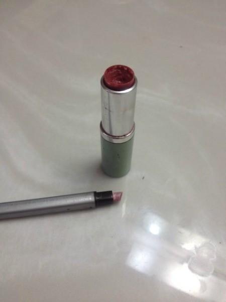 Lipstick and sponge brush.