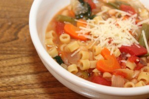 minestrone soup in bowl 2