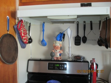 Cup Hooks to Store Kitchen Implements