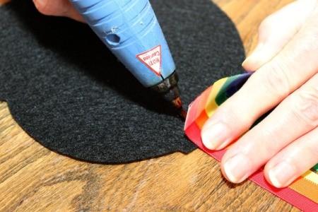 glue ribbons to pot 1