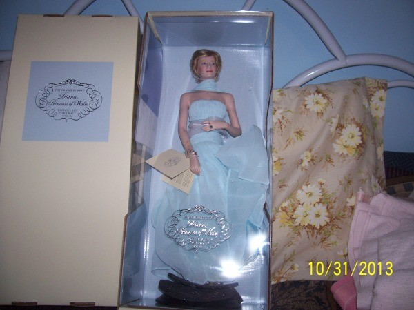 Finding the Value of Princess Diana Dolls | ThriftyFun