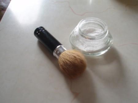 Brush and baking soda for deodorant