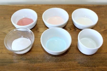 powdered jello in bowls