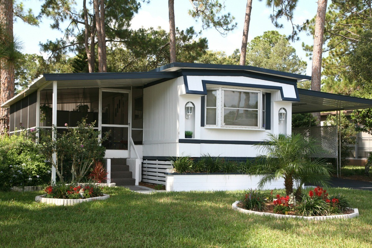 Condensation in Mobile Home | ThriftyFun on new garage roof, rubber roofing flat roof, new camper roof, new residential roof, new flat roof, new barn roof, rubber membrane roof, new rv roof, new warehouse roof, travel trailer roof,