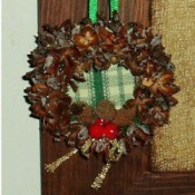 Mini Christmas wreaths.