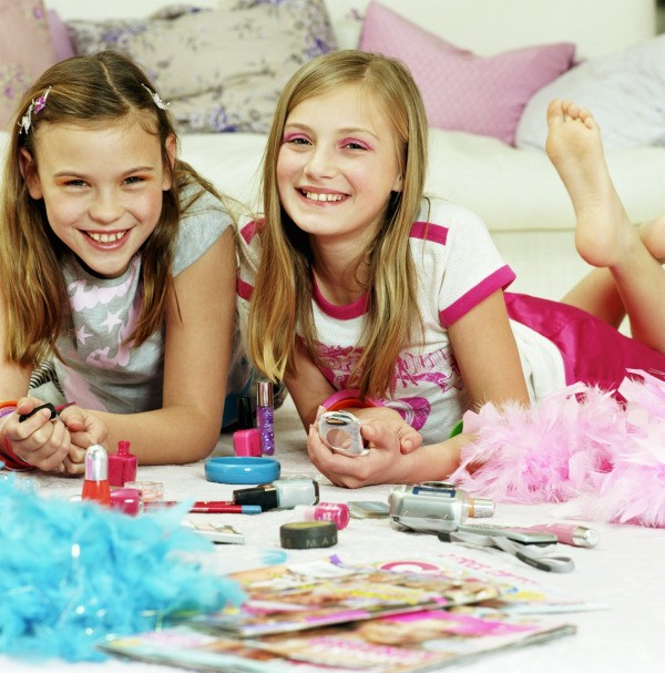 10 Images About Teen Science Themed Bedrooms On Pinterest: 'Makeover' Themed Birthday Party Ideas