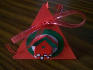red folder paper gift box