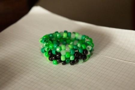 Beaded Minecraft Creeper Cuff - beading the bracelet
