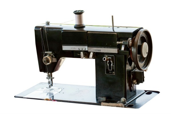 Determining The Value Of An Older Sewing Machine ThriftyFun Gorgeous How Much Are Old Sewing Machines Worth