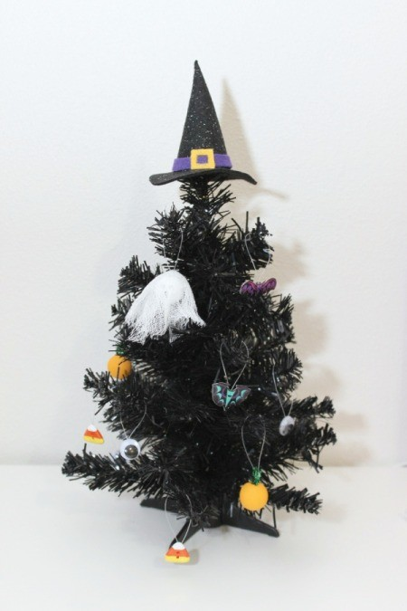mini halloween tree with ornaments
